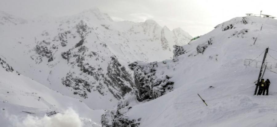 Tourisme    Tourisme    Suisse: plusieurs randonneurs emportés par une avalanche