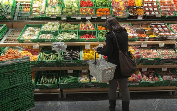 Écologie  Écologie  Le peuple plutôt favorable aux initiatives agricoles