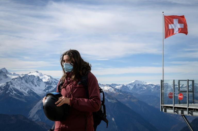 """Tourisme    Tourisme    """"Tous en piste"""", le credo des stations de ski suisses face au Covid"""