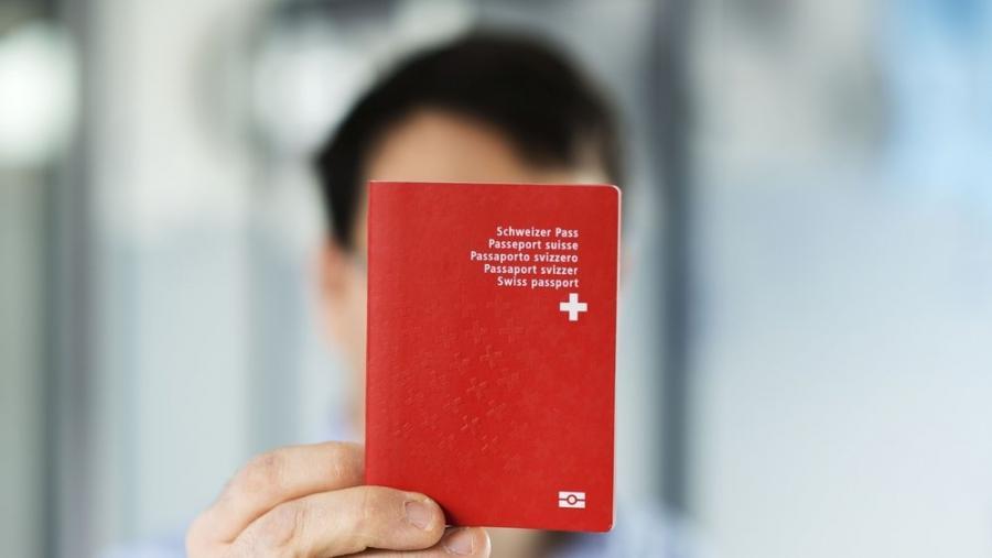 News News Passeport suisse: les doubles nationaux visés dans le canon de Zoug