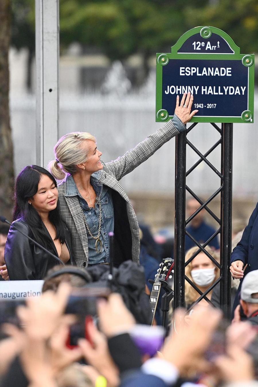 News News Des bikers, des fans, une statue: la journée d'hommage à Johnny a débuté